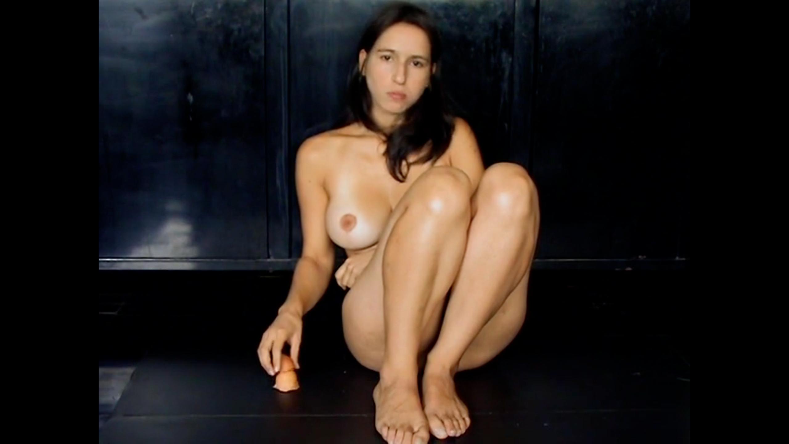 Huevo ● Liliana Vélez